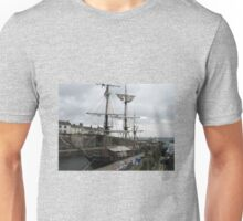 CLIPPER SHIP IN PORT AT CHARLESTOWN CORNWALL Unisex T-Shirt