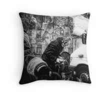 the bargain hunters Throw Pillow