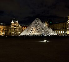 the louvre at night by MrTim