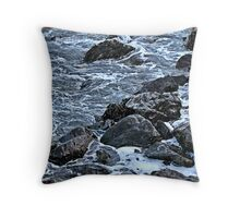 """ Cor bet that is cold"" Throw Pillow"