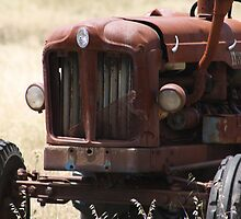 The Old Tractor by Sprinkla