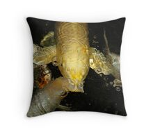 Goldie and the Bubble Machine Throw Pillow