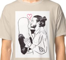 Kissing Classic T-Shirt