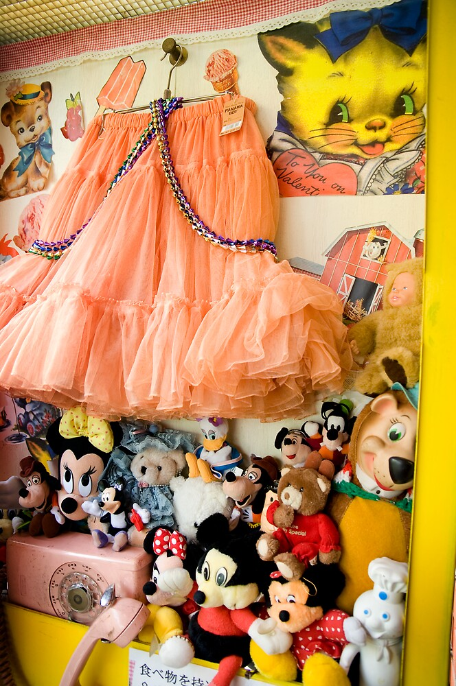 WANTED! Princess for dress. Call: 06-TEDDY by nancynootje