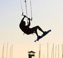 Kitesufing at dusk by Paul Golz