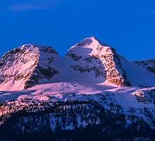 Sunrise MT Begbie  by RevelstokeImage