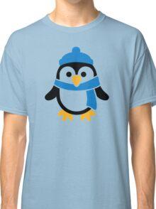 Penguin winter scarf Classic T-Shirt