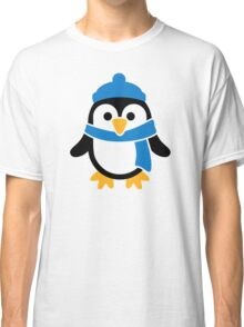 Penguin winter scarf Classic T-Shirt
