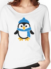 Penguin winter scarf Women's Relaxed Fit T-Shirt