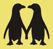 Penguin couple love Kids Tee