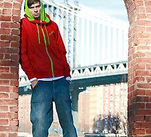 Guy with Manhatten Bridge in New York by timokohlenberg