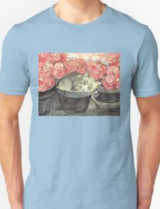 KITTY - CUTE BABY-CAT IN FLOWERPOT WITH PINK ROSES  Unisex T-Shirt