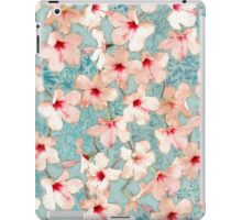 Shabby Chic Hibiscus Patchwork Pattern in Peach & Mint iPad Case/Skin