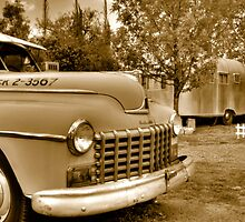 Taxi and Airstream by DesertDweller