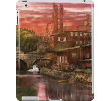 City - Richmond VA - After the fighting stopped - 1865 iPad Case/Skin