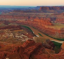 Dead Horse Point Dawn by metagore