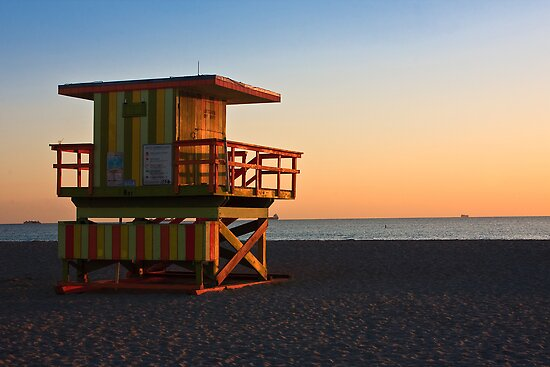 Lifeguard Station at Sunrise - Miami Beach by Tomas Abreu