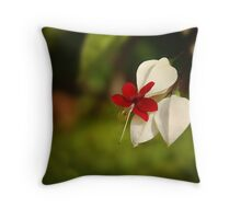 A single bloom Throw Pillow
