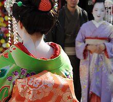 Geisha & Geisha background by nancynootje