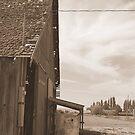 Abandoned Barn by Tuto