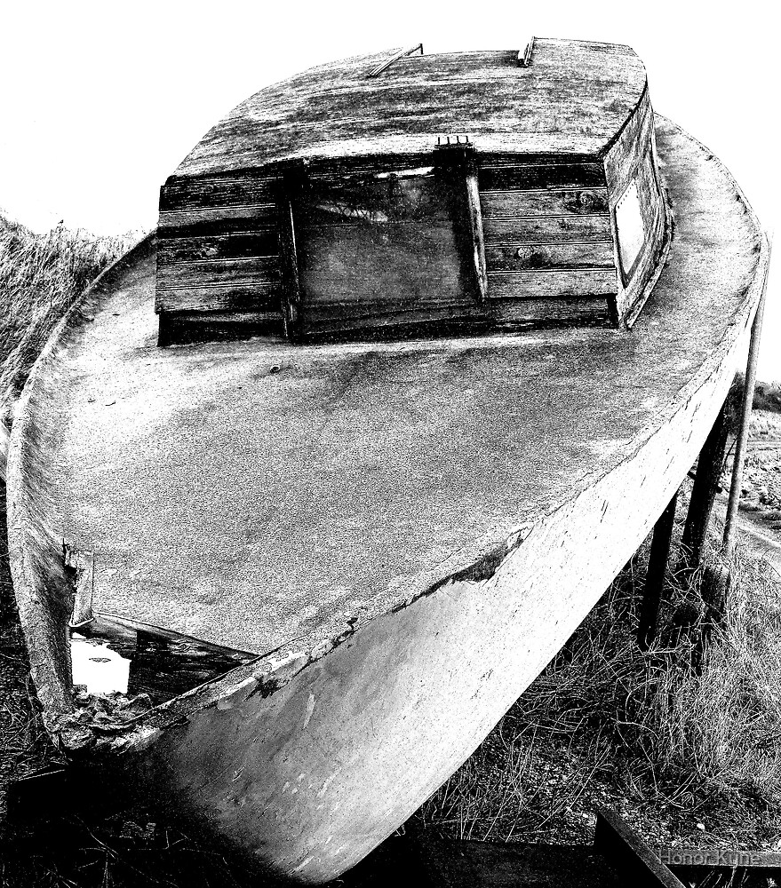 Old Boat by Honor Kyne