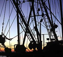 Menemsha Rigging by phil decocco