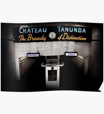 chateau tununda Poster