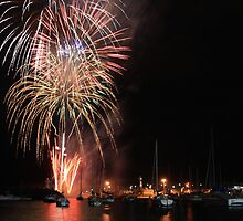 Wollongong Harbour New Years Eve Fireworks by ozthunder