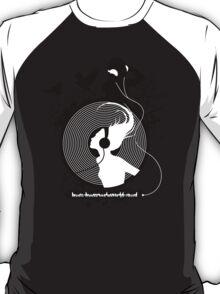 Music makes the world go round T-Shirt