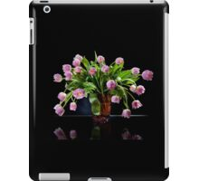 Pink tulips bouquet in glass vase iPad Case/Skin