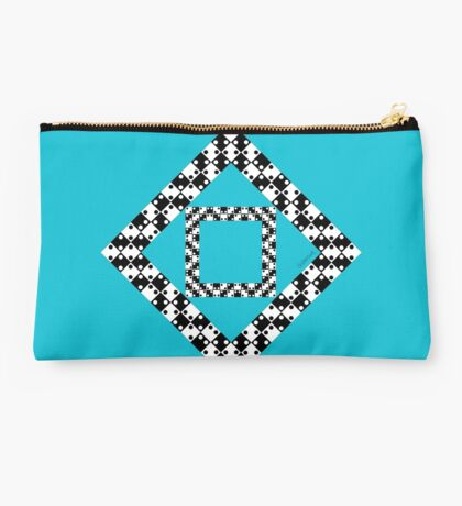 Straight Or Not? Studio Pouch