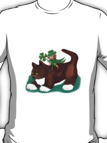 Kitten Gives this Lucky Leprechaun a Ride T-Shirt