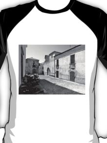 Agropoli: view square and old building T-Shirt