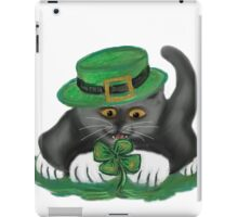 Patty, the Grey Kitten, Loves Four Leaf Clovers iPad Case/Skin