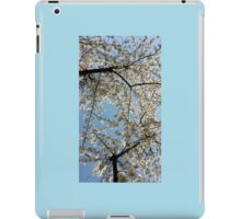 Pearly white spring blossoms  iPad Case/Skin