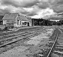 Fingal Railway Station by smylie