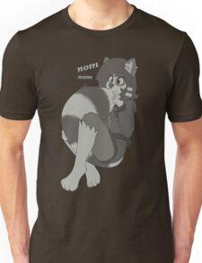 Cute rikki eating her new tail! Unisex T-Shirt