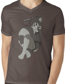 Cute rikki eating her new tail! Mens V-Neck T-Shirt