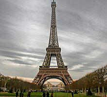 Eiffel Tower by Flaneganb