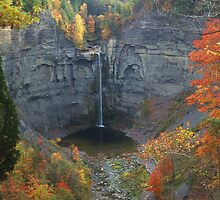 Taughannock in Autumn by mklue