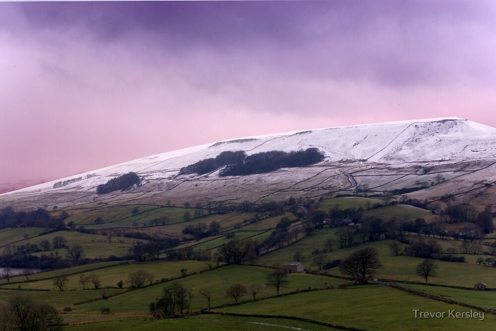 Wether Fell - Yorkshire Dales. by Trevor Kersley