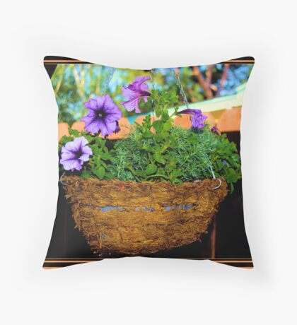 A BASKET OF FLOWERS A DAY.....MAKES DEM BAD FEELINS GO AWAY Throw Pillow