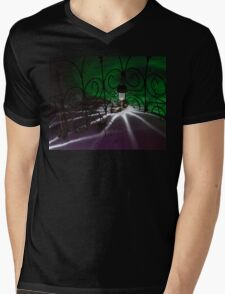 Spider Light in the Snow? Mens V-Neck T-Shirt