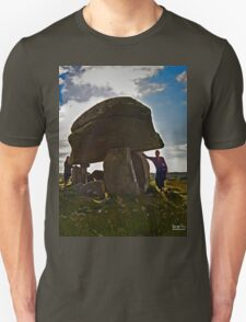 Kilclooney Dolmen, County Donegal T-Shirt