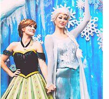 Anna & Elsa by hacobcorreia
