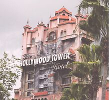 Hollywood Tower Hotel by hacobcorreia