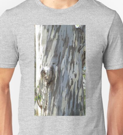 Gum tree 9: three trunks and a twisted knee. Unisex T-Shirt