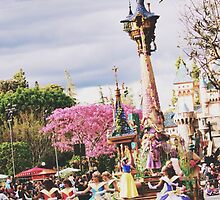 Disneyland's Soundsational Parade  by whitneymicaela