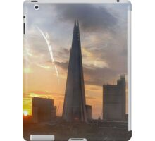 THE SHARD AT DAWN/COLLECTION I PAD/PHONE/ART/ETC iPad Case/Skin