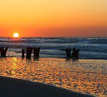 Folly Sunrise by mklue